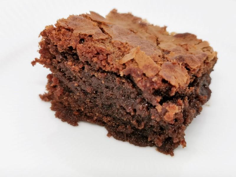 Brownie med mælkechokolade