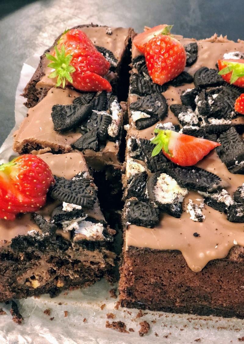 Brownie med mælkechokoladefudge